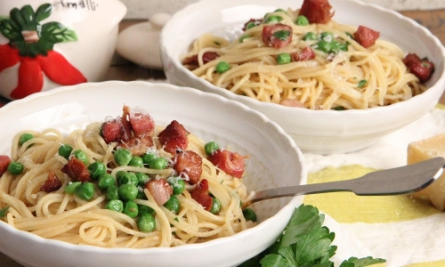 Spaghetti with Peas and Pancetta
