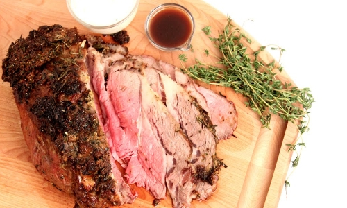 Roasted Prime Rib with Au Jus and Horseradish Sour Cream