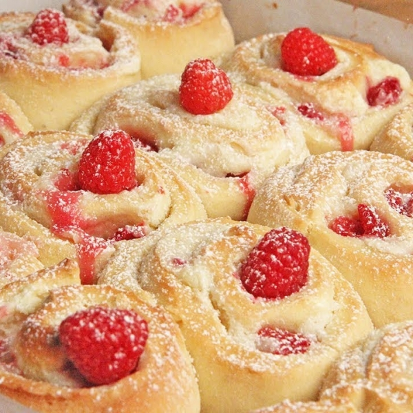 Raspberry Cheesecake Rolls
