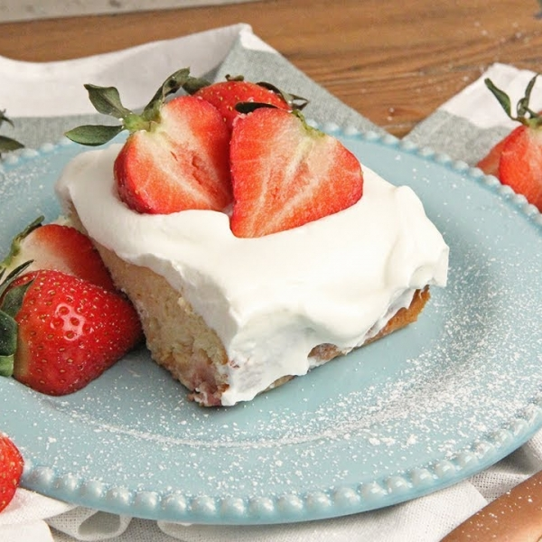 strawberry tres leches cake in the kitchen starring vitale 7777