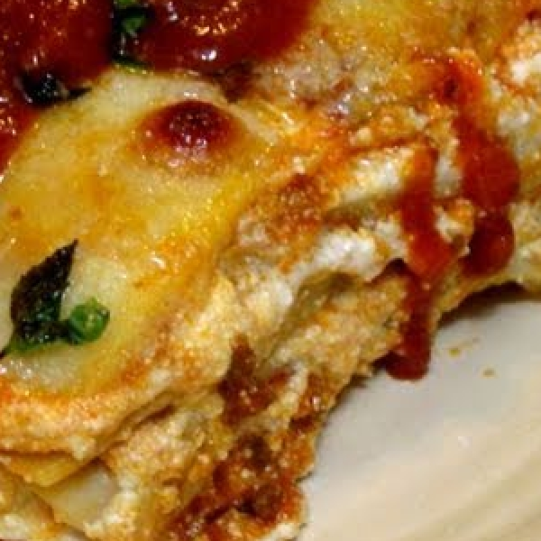 Classic Meat Cheese Lasagna Recipe Laura In The Kitchen