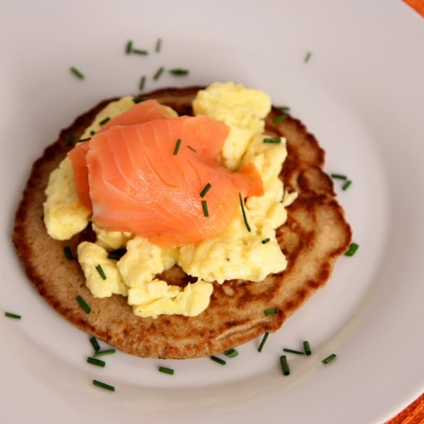 Blinis with Smoked Salmon and Scrambled Eggs