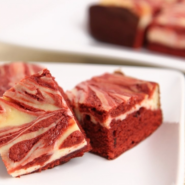 Red velvet cheesecake brownies recipe laura in the kitchen forumfinder