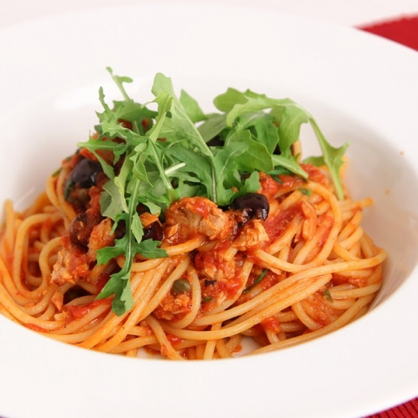 Spaghetti with Tuna Puttanesca