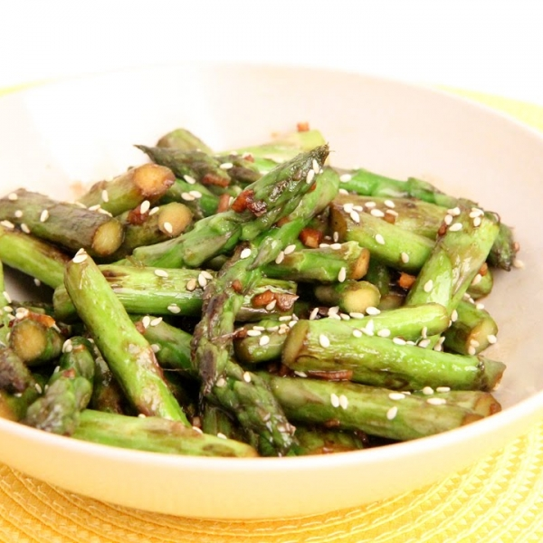 Garlic Sesame Stir Fried Asparagus