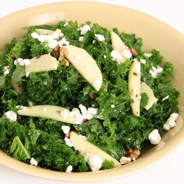 Kale, Apple and Walnut Salad