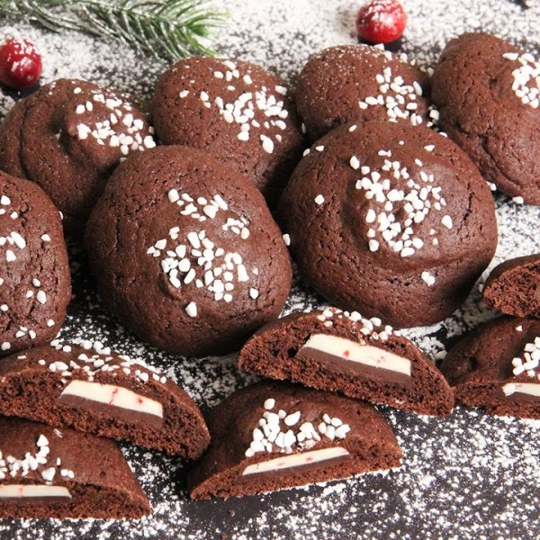 Mint Chocolate Stuffed Chocolate Cookies
