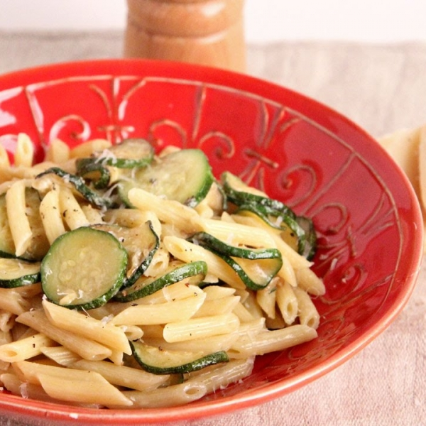 Pasta with Zucchini and Cream