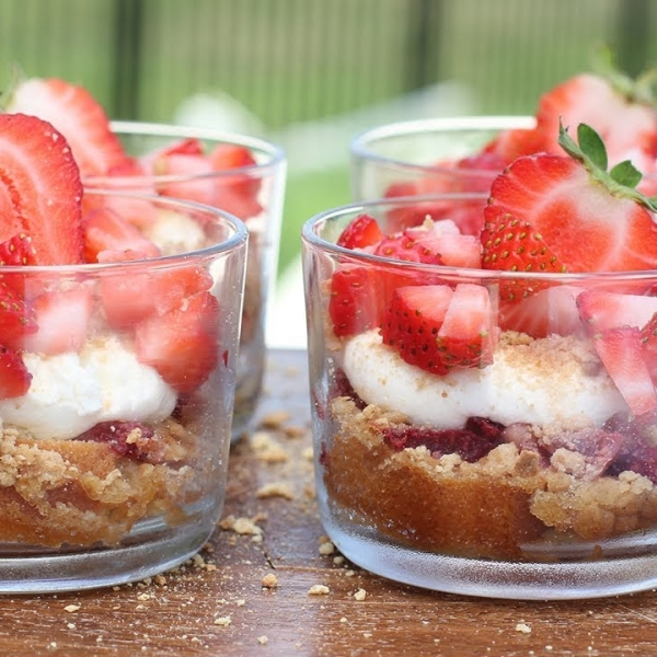 Strawberry and Cream Parfaits