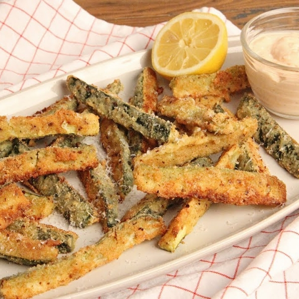 Zucchini Fries with Special Sauce